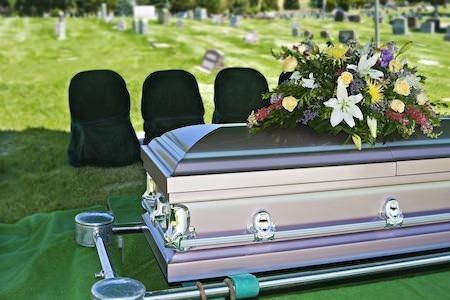 Funeral (coffin and flowers)